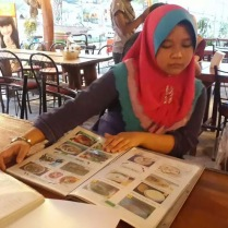 browsing menu at Lemongrass